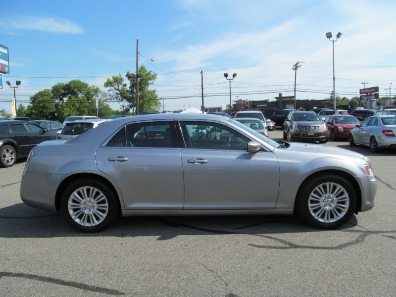 Chrysler 300 2014 price $13,995