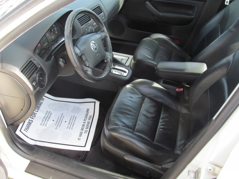 Volkswagen Jetta Sedan 2003 price $3,995
