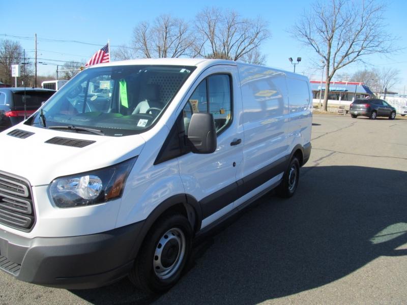Ford Transit Van 2018 price $22,500