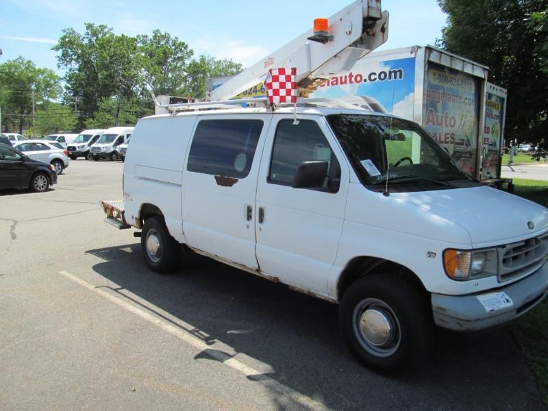 Ford Econoline Cargo Van 1999 price $11,999