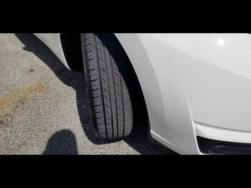 Nissan Versa 2017 price $7,900 Cash