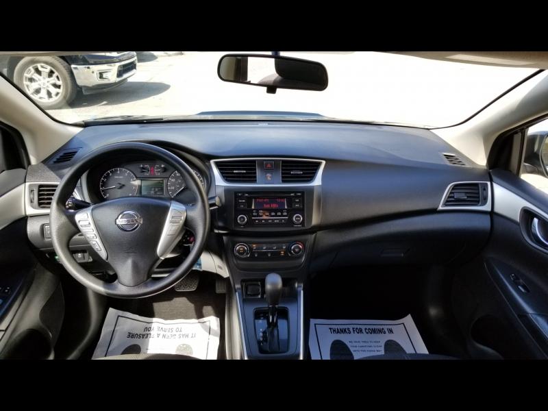 Nissan Sentra 2017 price $10,500 Cash