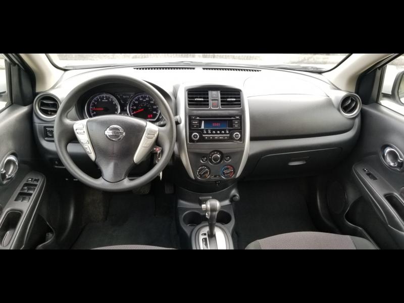 Nissan Versa 2018 price $8,500 Cash