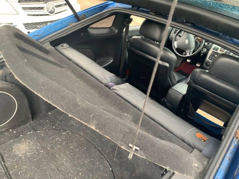 Hyundai Tiburon 2004 price $2,000