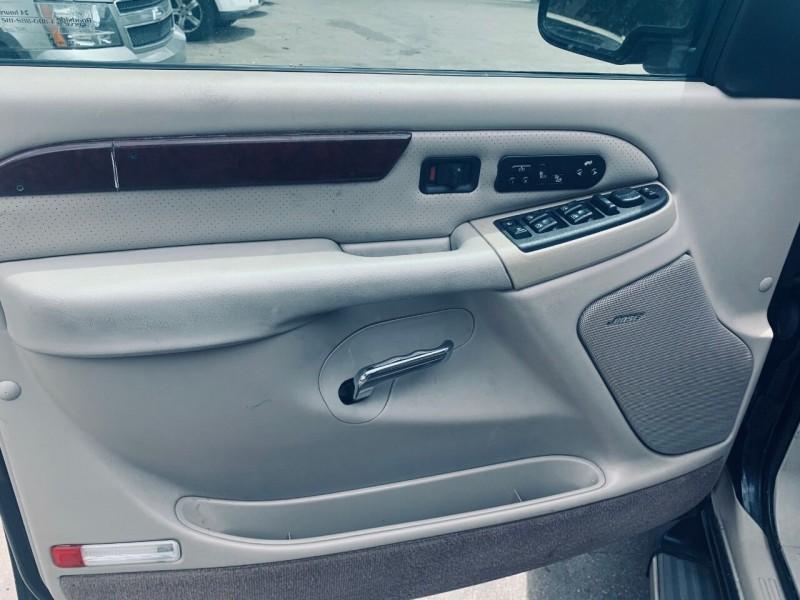 Cadillac Escalade 2005 price $8,995