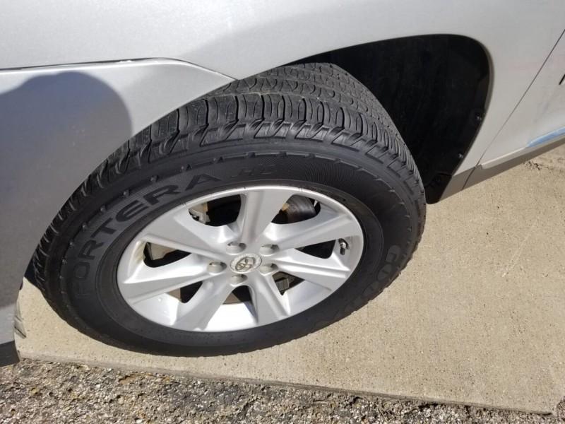 Toyota Highlander 2011 price $12,995
