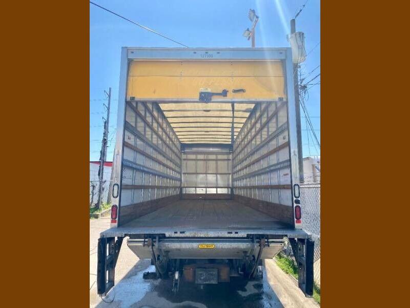 Freightliner M2 106 2016 price $48,000
