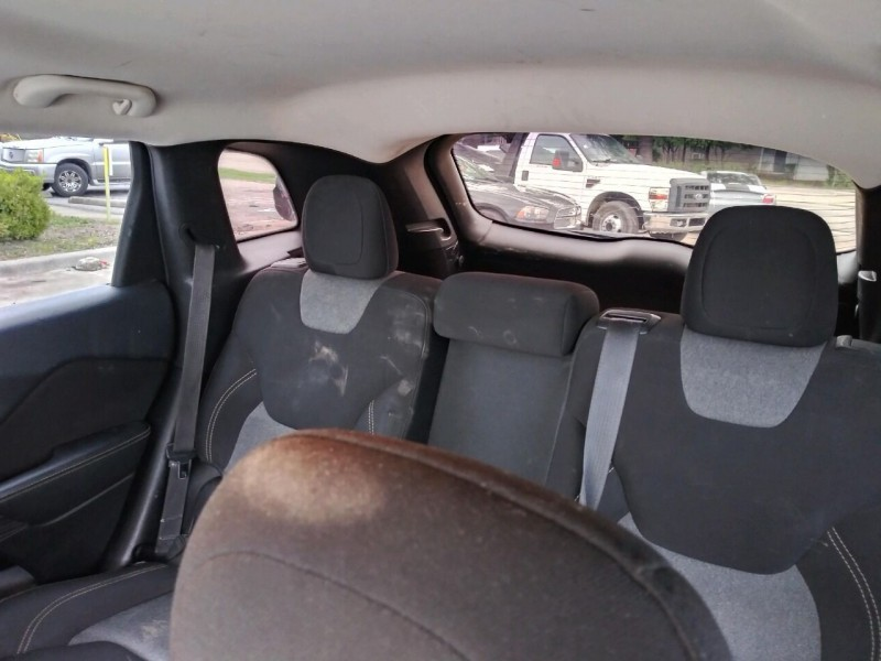 Jeep Cherokee 2015 price $8,995