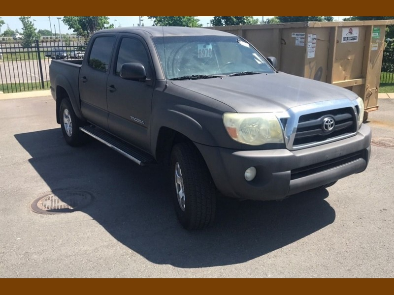 Toyota Tacoma 2006 price $12,995