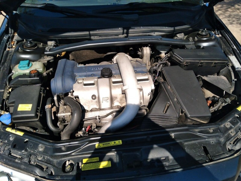 Volvo V70 R 2004 price $6,995