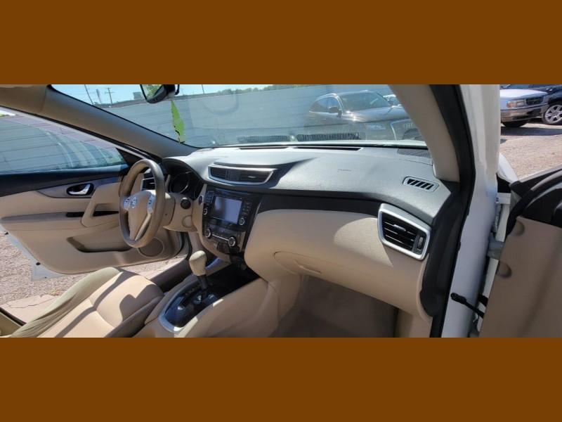 Nissan Rogue 2015 price $10,995
