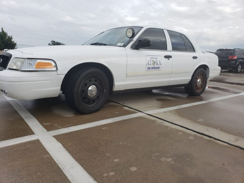 Ford Crown Victoria 2009 price $7,500