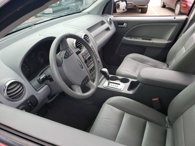 Ford Freestyle 2005 price $7,995