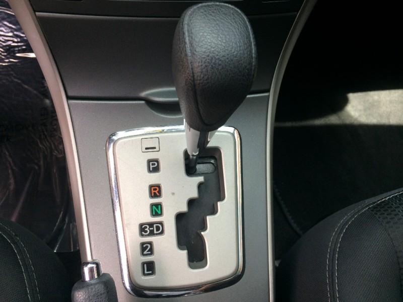 Toyota Corolla 2013 price $9,950 Cash