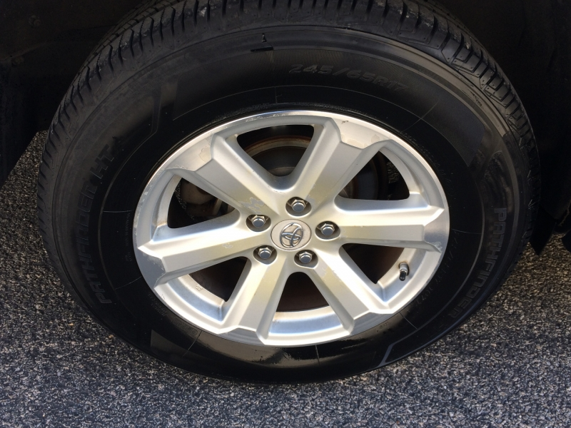 Toyota Highlander 2009 price $8,895 Cash
