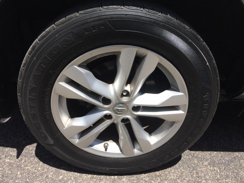 Nissan Rogue Select 2015 price $9,985 Cash