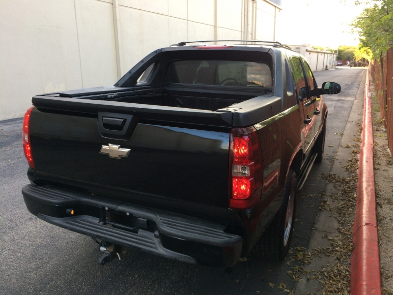 Chevrolet Avalanche 2009 price $8,975 Cash