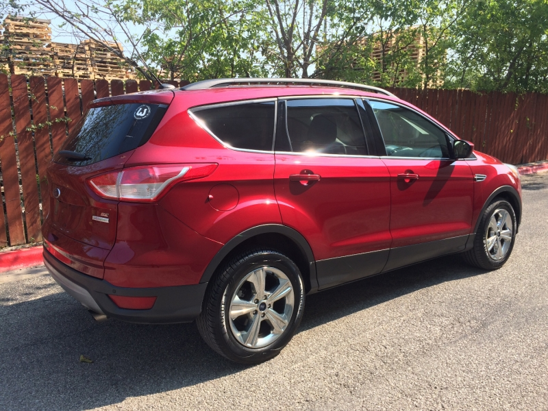 Ford Escape 2015 price $10,875 Cash