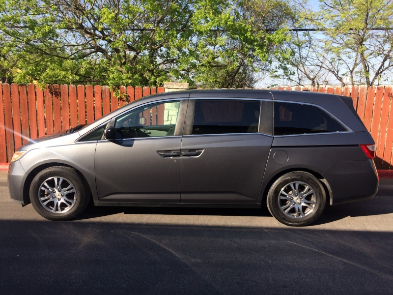 Honda Odyssey 2013 price $12,485