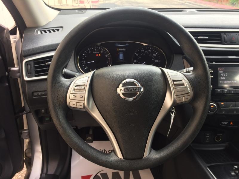 Nissan Rogue 2016 price $12,985 Cash