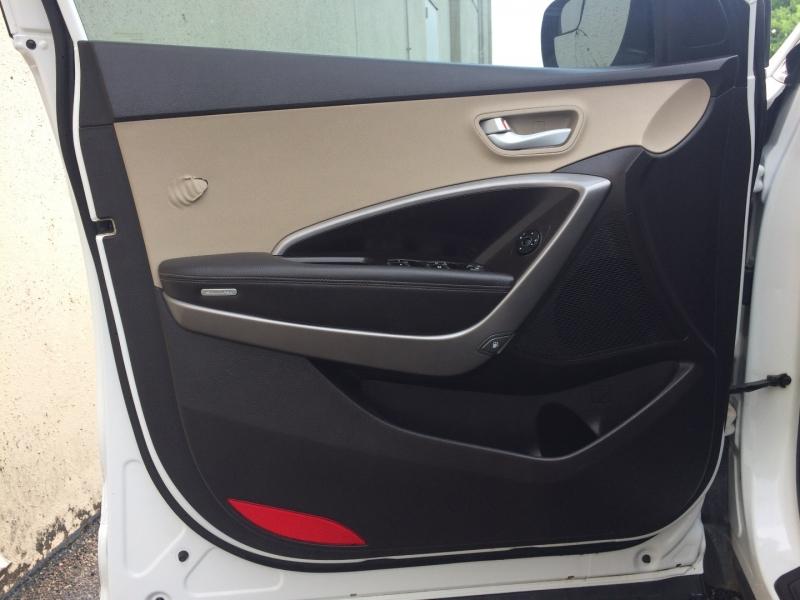 Hyundai Santa Fe 2016 price $13,895 Cash