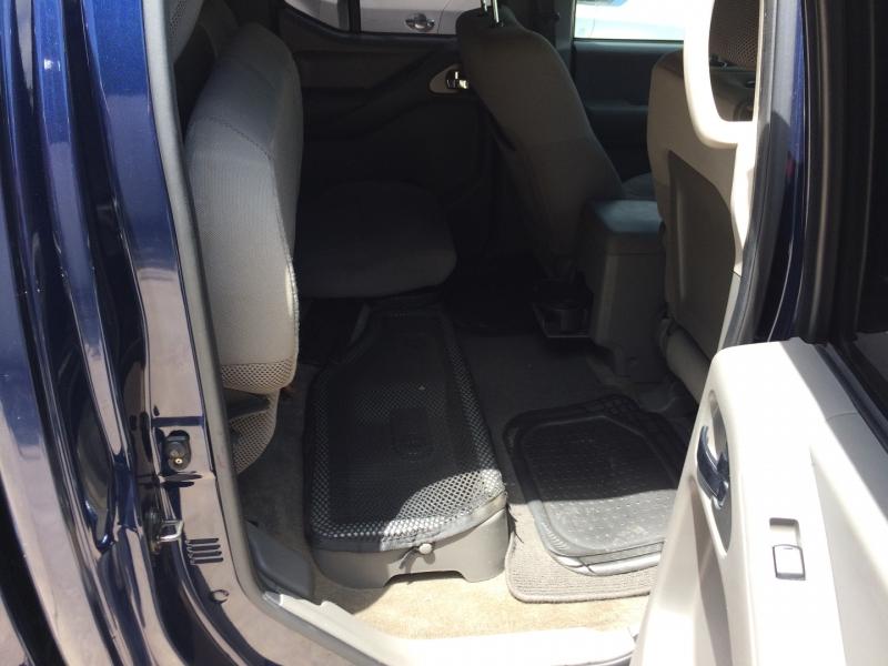 Nissan Frontier 2011 price $12,875 Cash