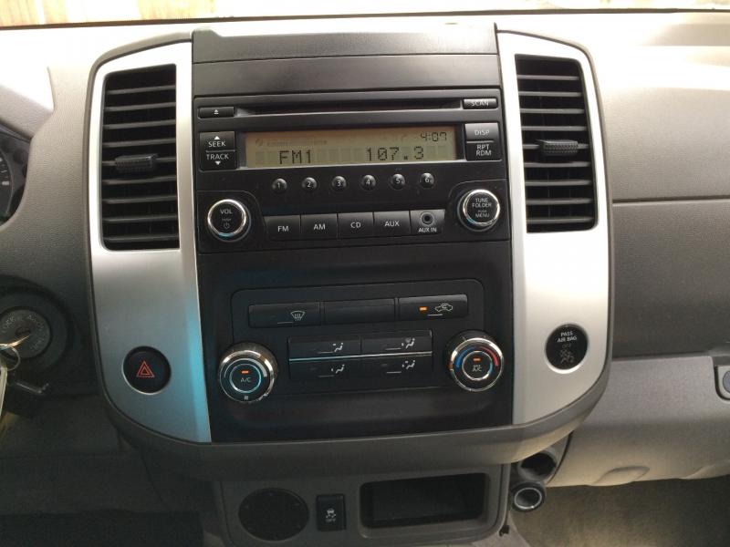 Nissan Frontier 2015 price $12,850 Cash