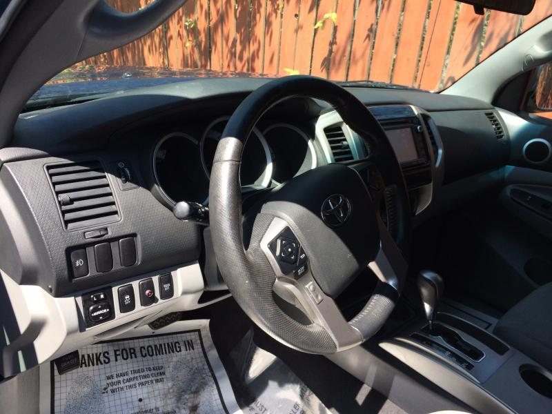 Toyota Tacoma 2015 price $29,875 Cash