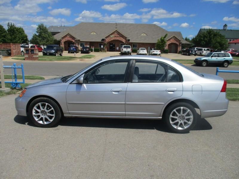 Honda Civic 2002 price $2,395
