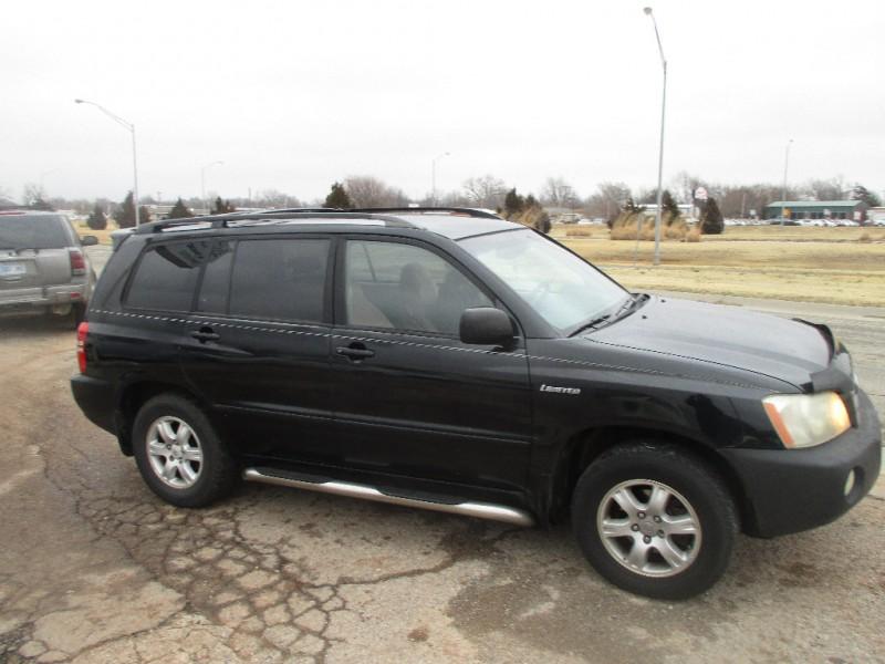 Toyota Highlander 2001 price $2,797