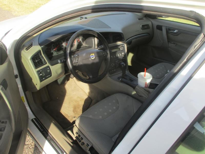 Volvo S60 2006 price $3,185 Cash
