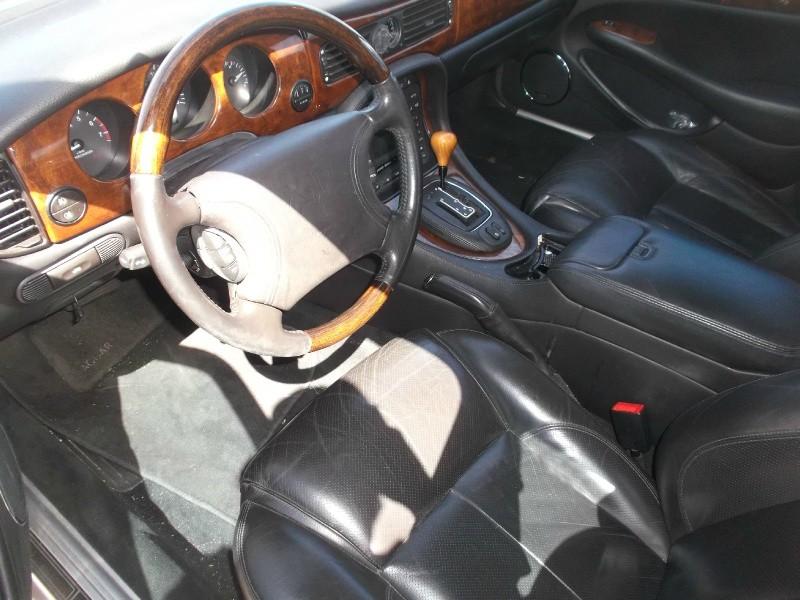 Jaguar XJ 2000 price $2,576