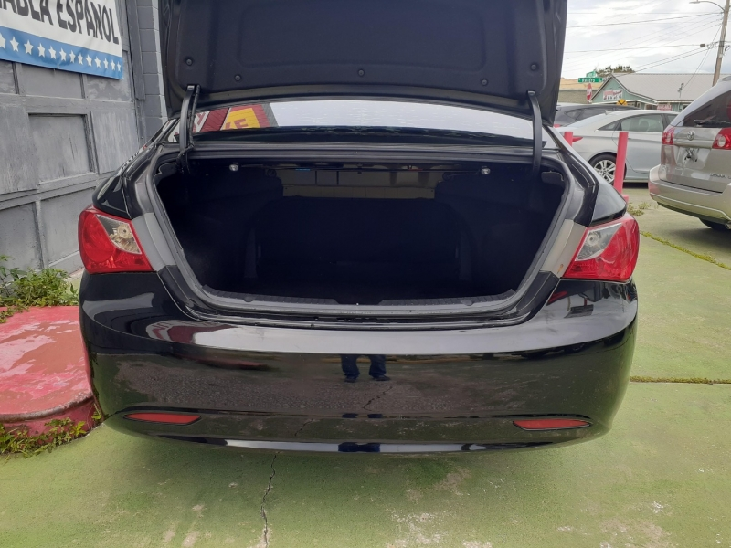 Hyundai Sonata 2012 price Call for pricing