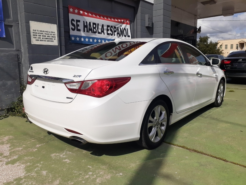 Hyundai Sonata 2011 price Call for pricing