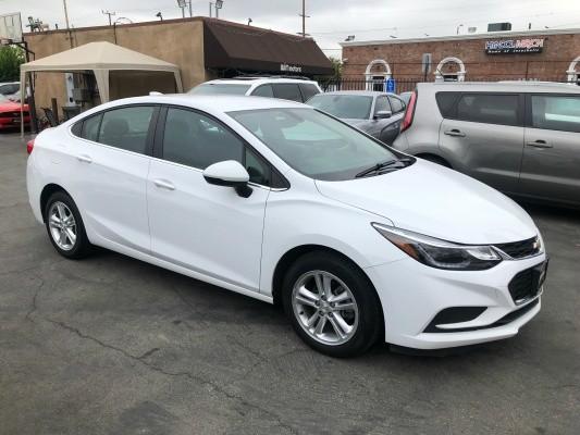 Chevrolet Cruze 2017 price $10,900