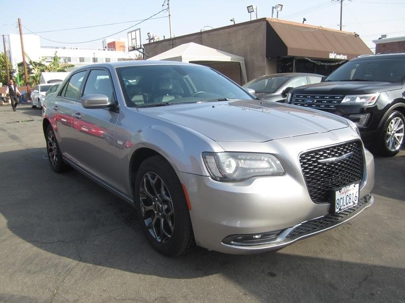 Chrysler 300 2018 price $17,900