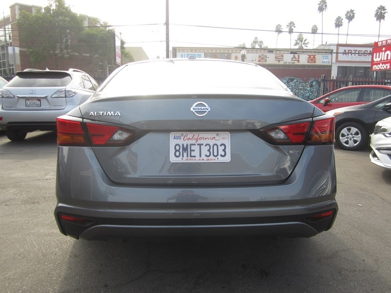 Nissan Altima 2020 price $16,900