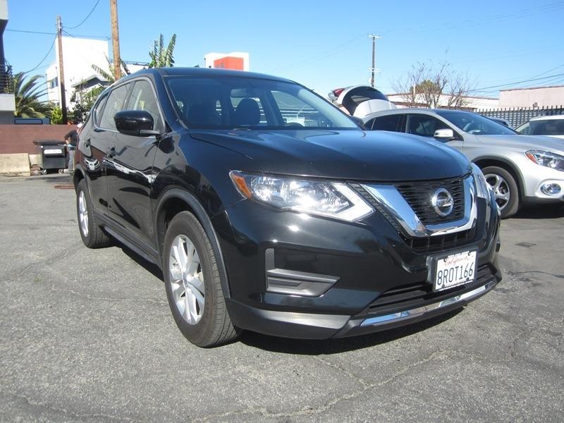 Nissan Rogue 2017 price $13,900