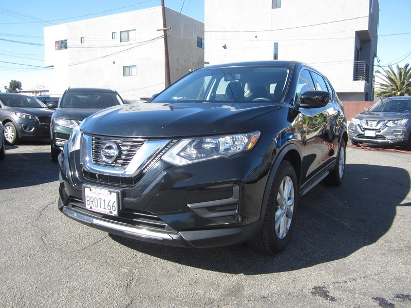 Nissan Rogue 2017 price $13,900