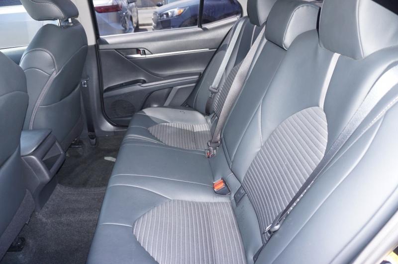 Toyota Camry 2018 price $18,900