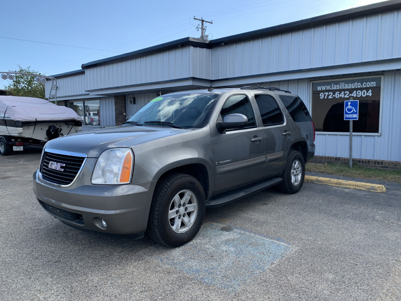 GMC Yukon 2009 price $8,700 Cash