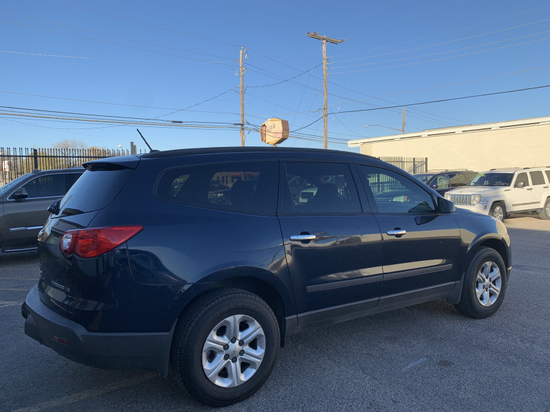 Chevrolet Traverse 2011 price $6,300 Cash