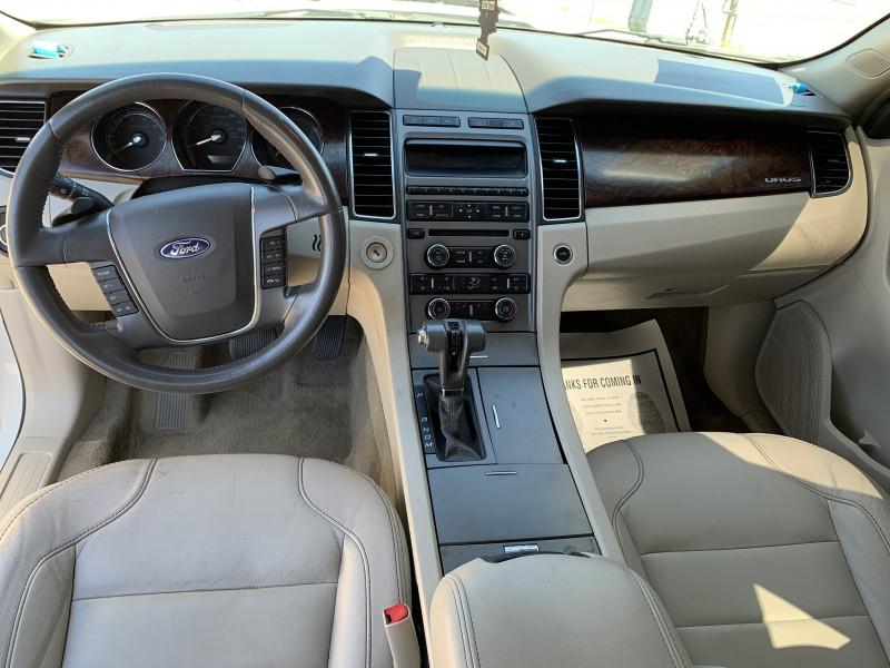 Ford Taurus 2012 price $6,300 Cash