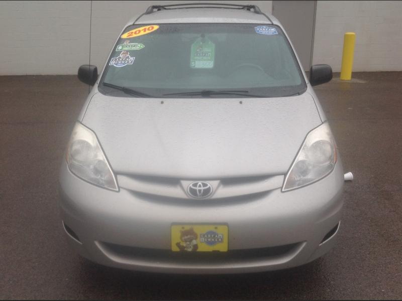 Toyota Sienna 2010 price $7,300