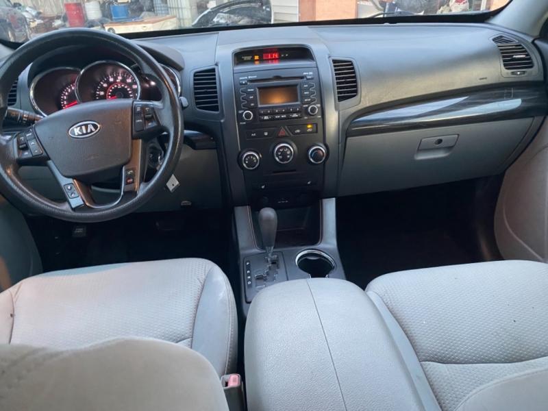 Kia Sorento 2011 price $7,100