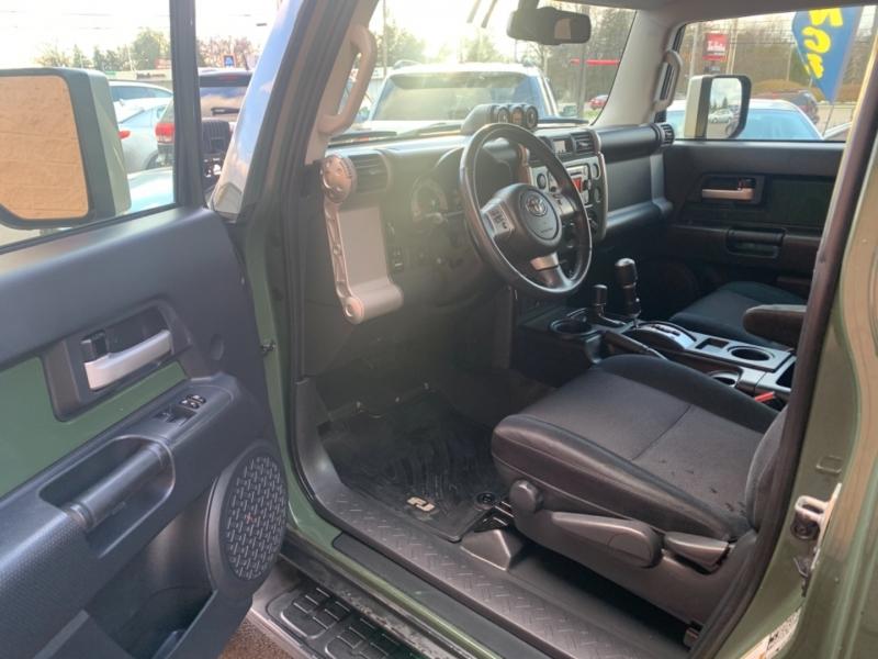 Toyota FJ Cruiser 2012 price $23,000