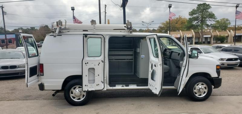 Ford Econoline Cargo Van 2010 price $12,599