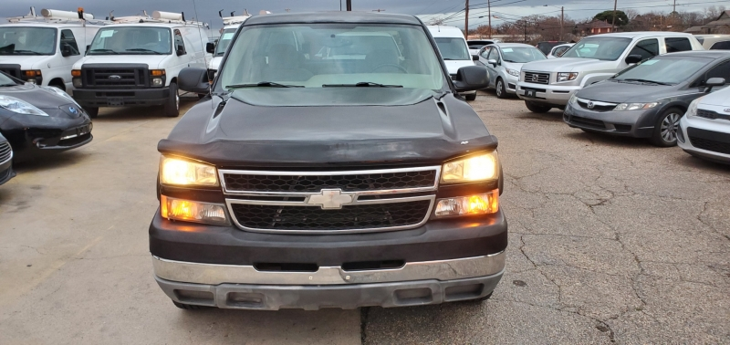 Chevrolet Silverado 2500HD 2006 price $12,500