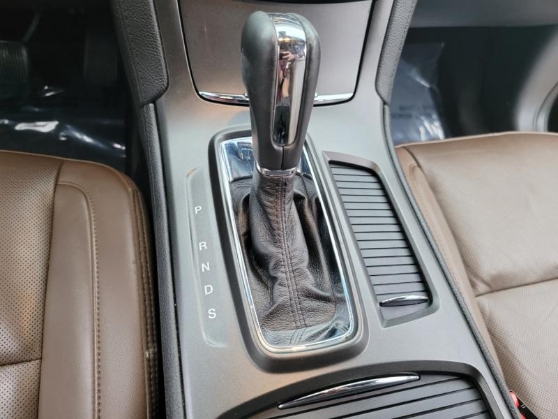 Lincoln MKS 2013 price $14,199
