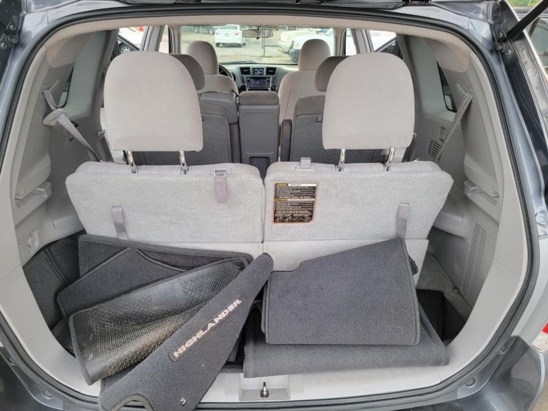 Toyota Highlander 2013 price $13,899